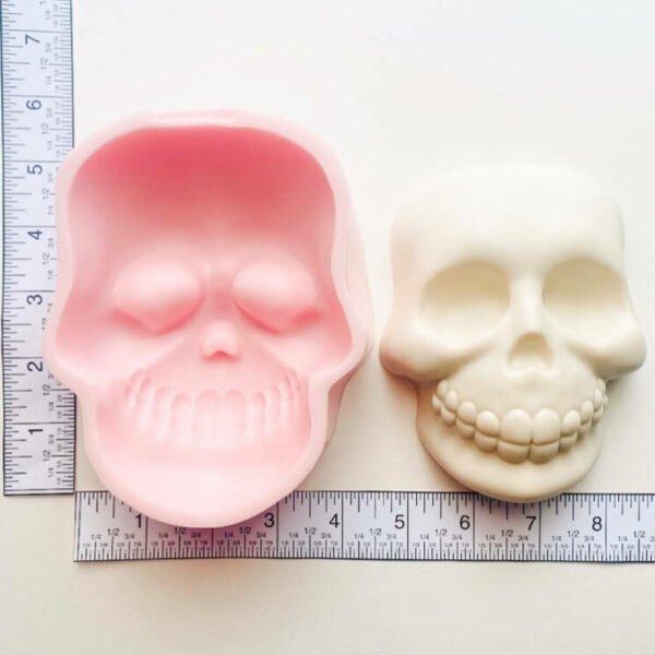 Halloween Skull Big Face measures
